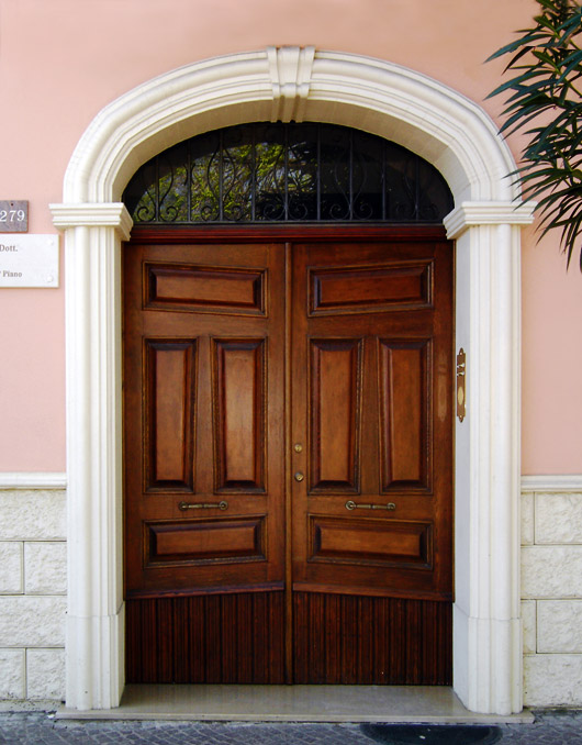Cornici in cls per porte esterne ad arco ribassato - Decori per finestre esterne ...